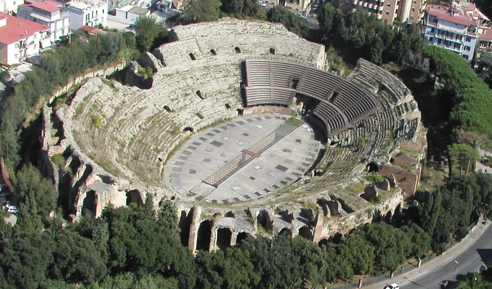 Resultado de imagen de anfiteatro pozzuoli