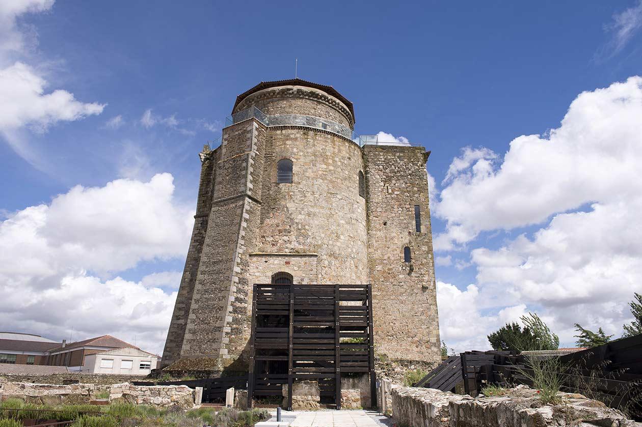 CASTILLO DE ALBA DE TORMES.jpg