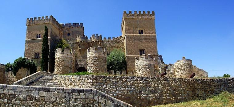 castillo de ampudia (palencia).jpg