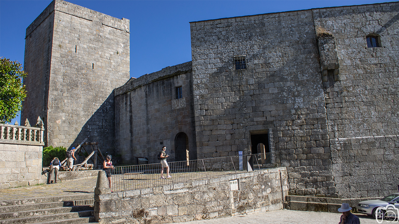 CASTILLO DE CASTRO CALDELAS (OURENSE)