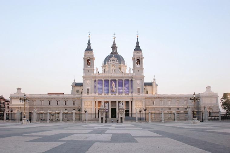 CATEDRAL DE LA ALMUDENA DE MADRID.jpg