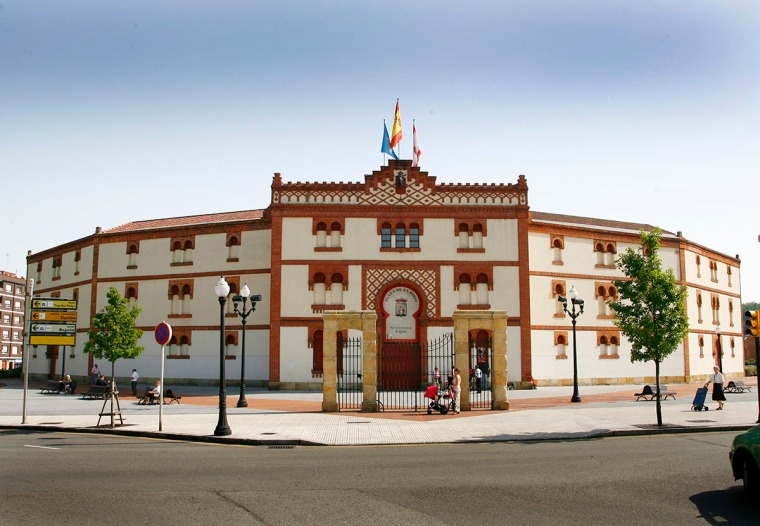PLAZA DE TOROS DE EL BIBIO (GIJÓN).jpg