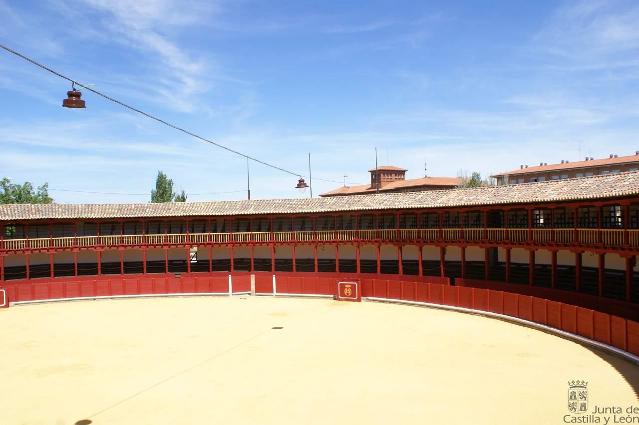 PLAZA DE TOROS DE TORO (ZAMORA).jpg
