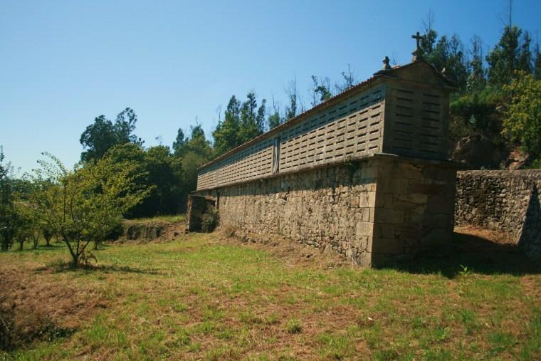 HÓRREO DE ARAÑO (LA CORUÑA) El más grande de Galicia.jpg