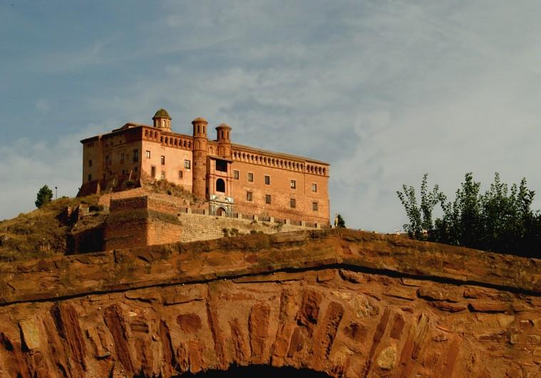 CASTILLO PALACIO DEL PAPA LUNA EN ILLUECA (ZARAGOZA)