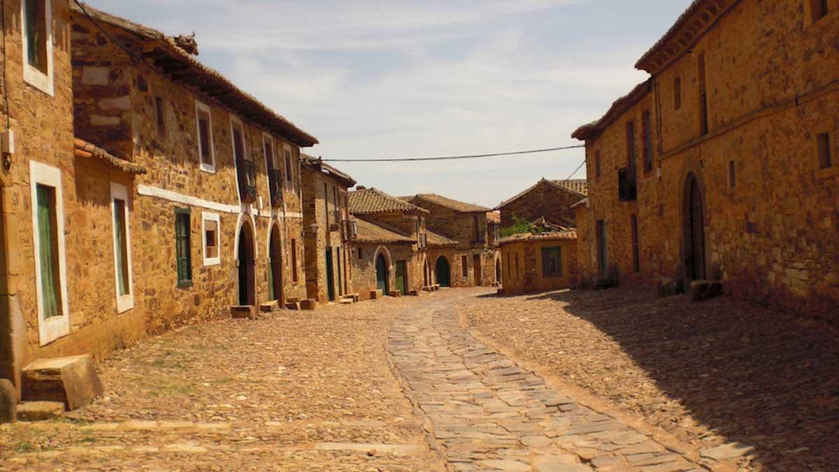 CASTRILLO DE LOS POLVAZARES (LEÓN).jpg