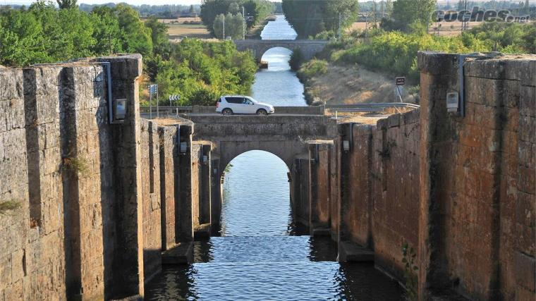 EL CANAL DE CASTILLA.jpg