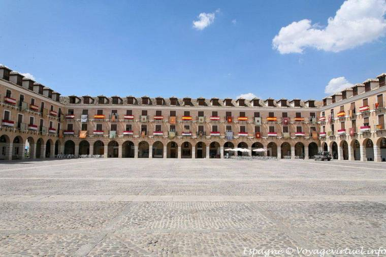 PLAZA MAYOR DE OCAÑA (TOLEDO)