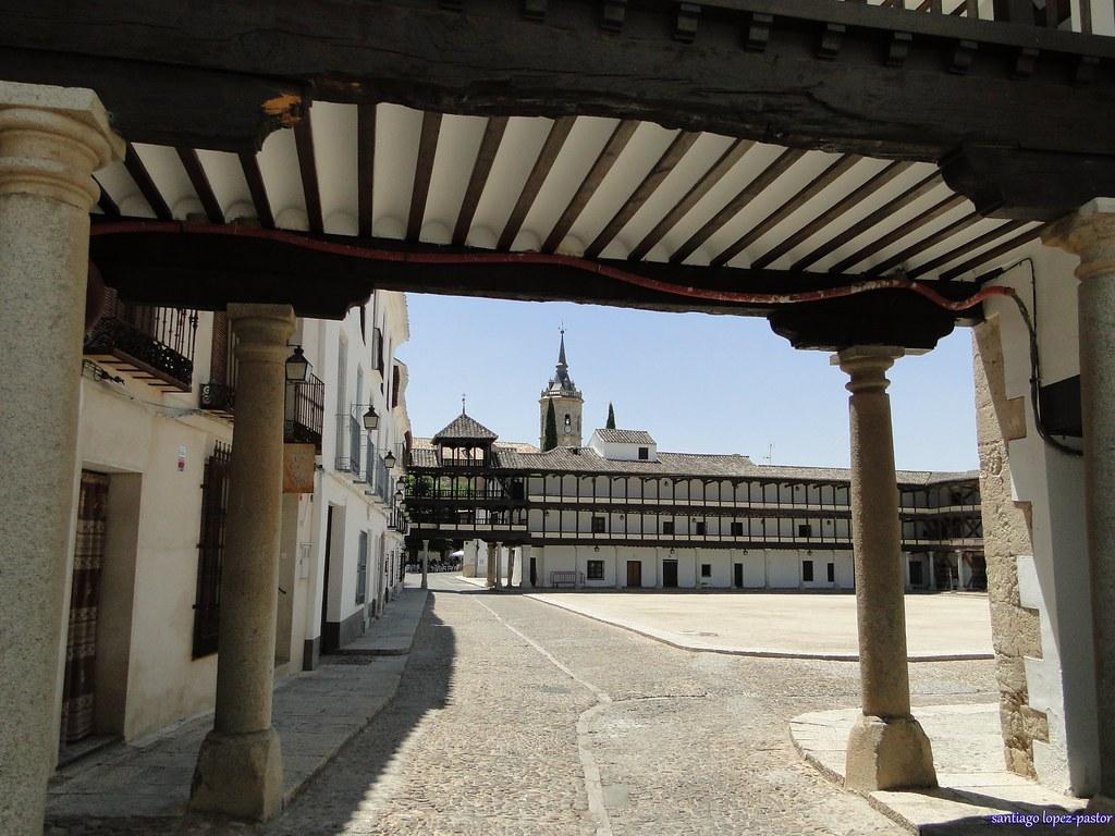 PLAZA MAYOR DE TEMBLEQUE (TOLEDO).jpg