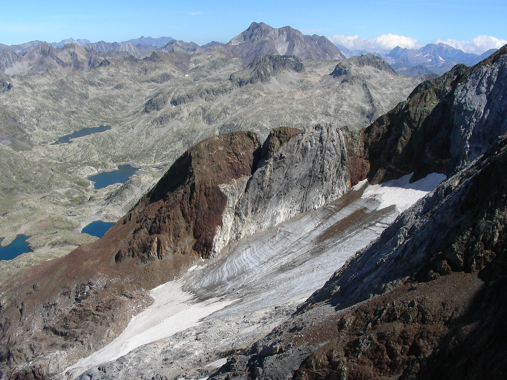 GLACIAR DEL INFIERNO (HUESCA) glaciar más occidental de los pirineos.jpg
