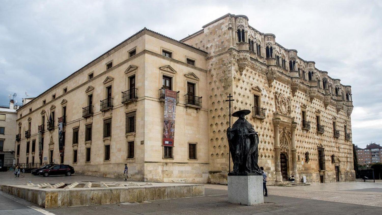 PALACIO DEL INFANTADO DE GUADALAJARA.jpg