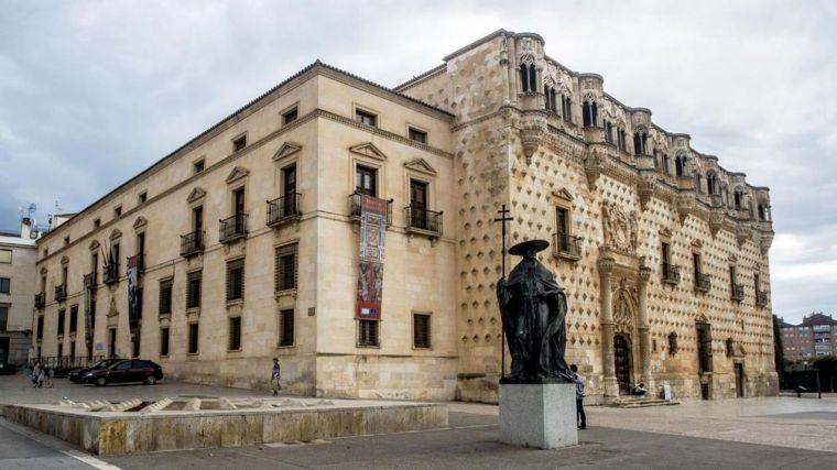 1. PALACIO DEL INFANTADO DE GUADALAJARA