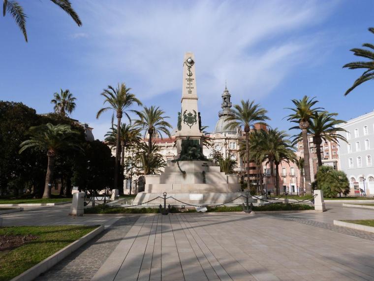 14. MONUMENTO A LOS HÉROES DE SANTIAGO DE CUBA Y CAVITE