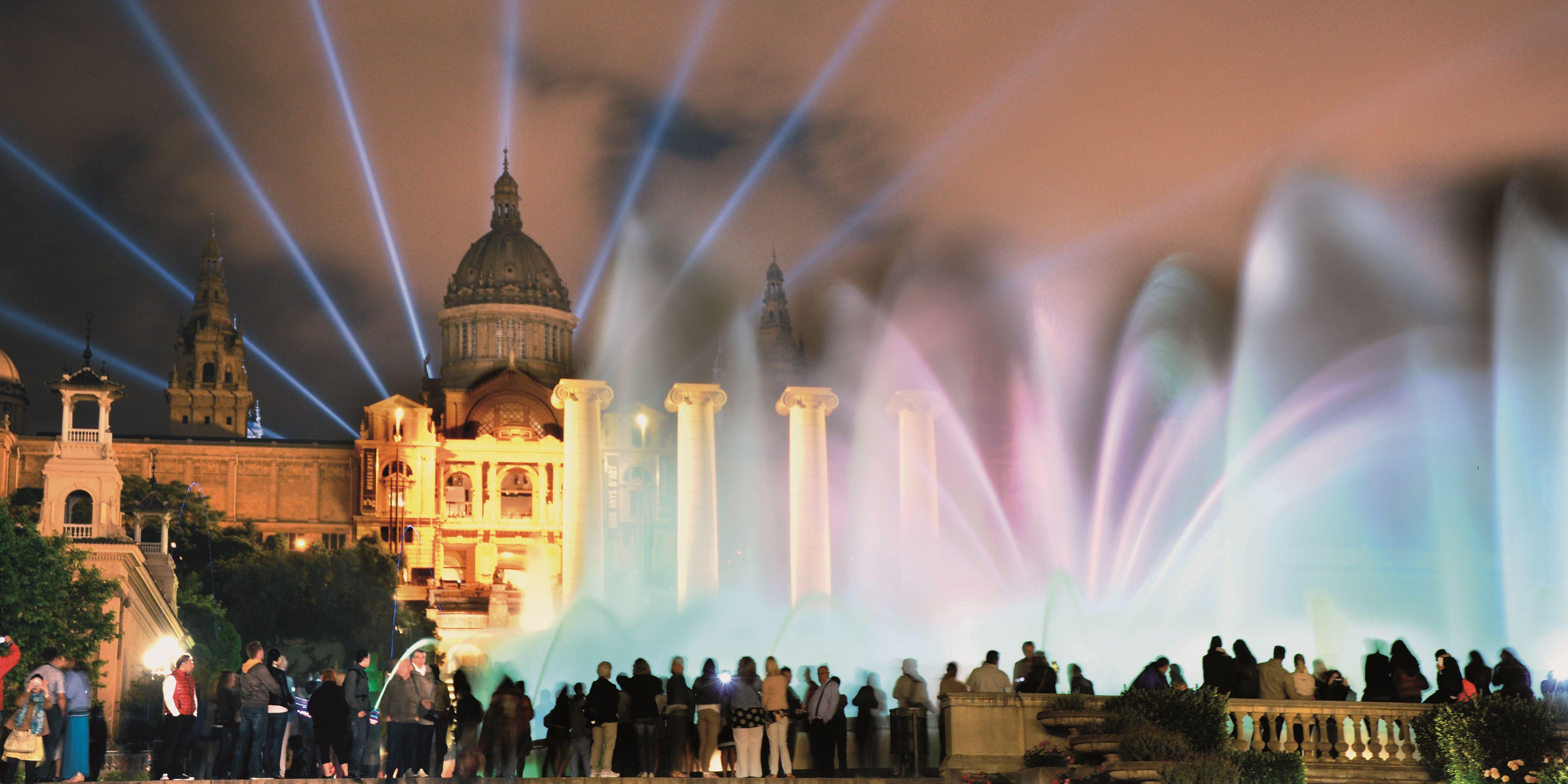 Vista nocturna del Palau Nacional