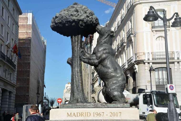 19. EL OSO Y EL MADROÑO (MADRID)