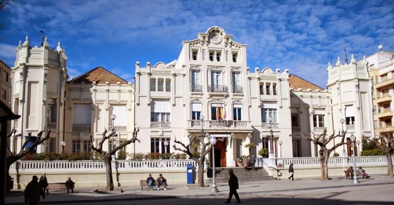 3. EDIFICIO DEL CÍRCULO OSCENSE (HUESCA)