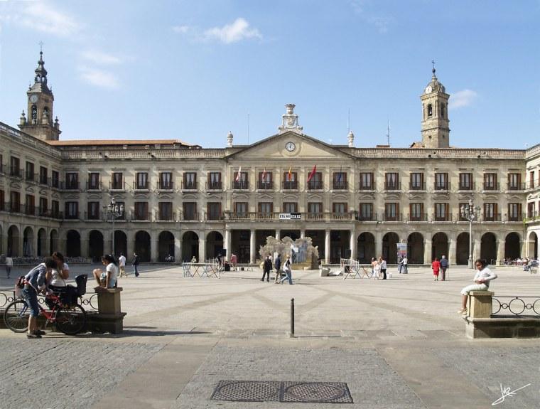 4. PLAZA DE ESPAÑA (VITORIA)