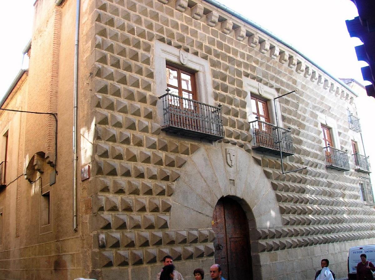 5. CASA DE LOS PICOS (SEGOVIA)