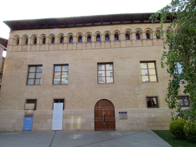 6. PALACIO DE VILLAHERMOSA (HUESCA)