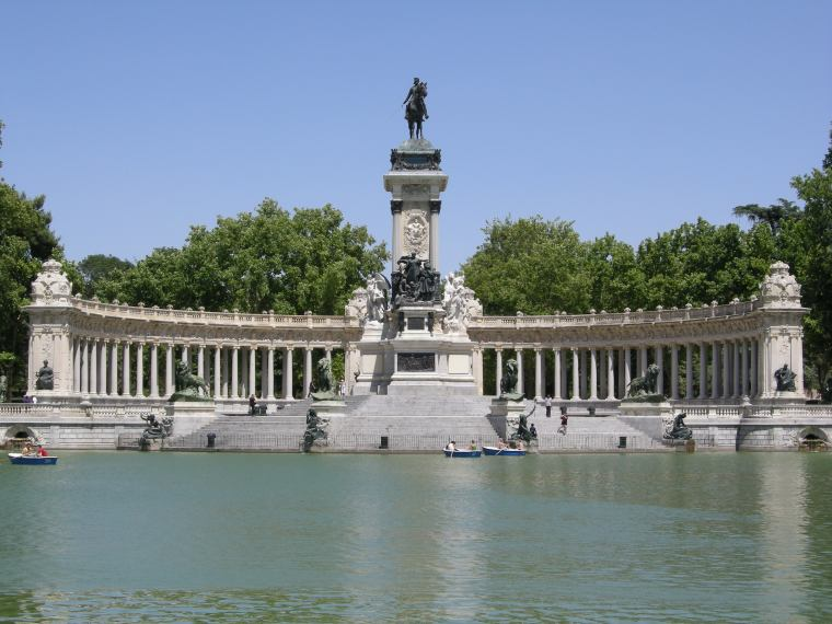 7. MONUMENTO A ALFONSO XII (MADRID)