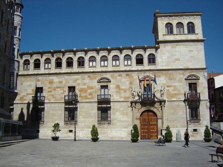 8. PALACIO DE LOS GUZMANES (LEÓN)