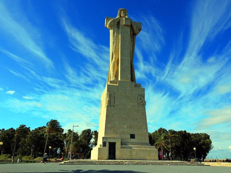 9. MONUMENTO A LA FÉ DESCUBRIDORA (HUELVA)